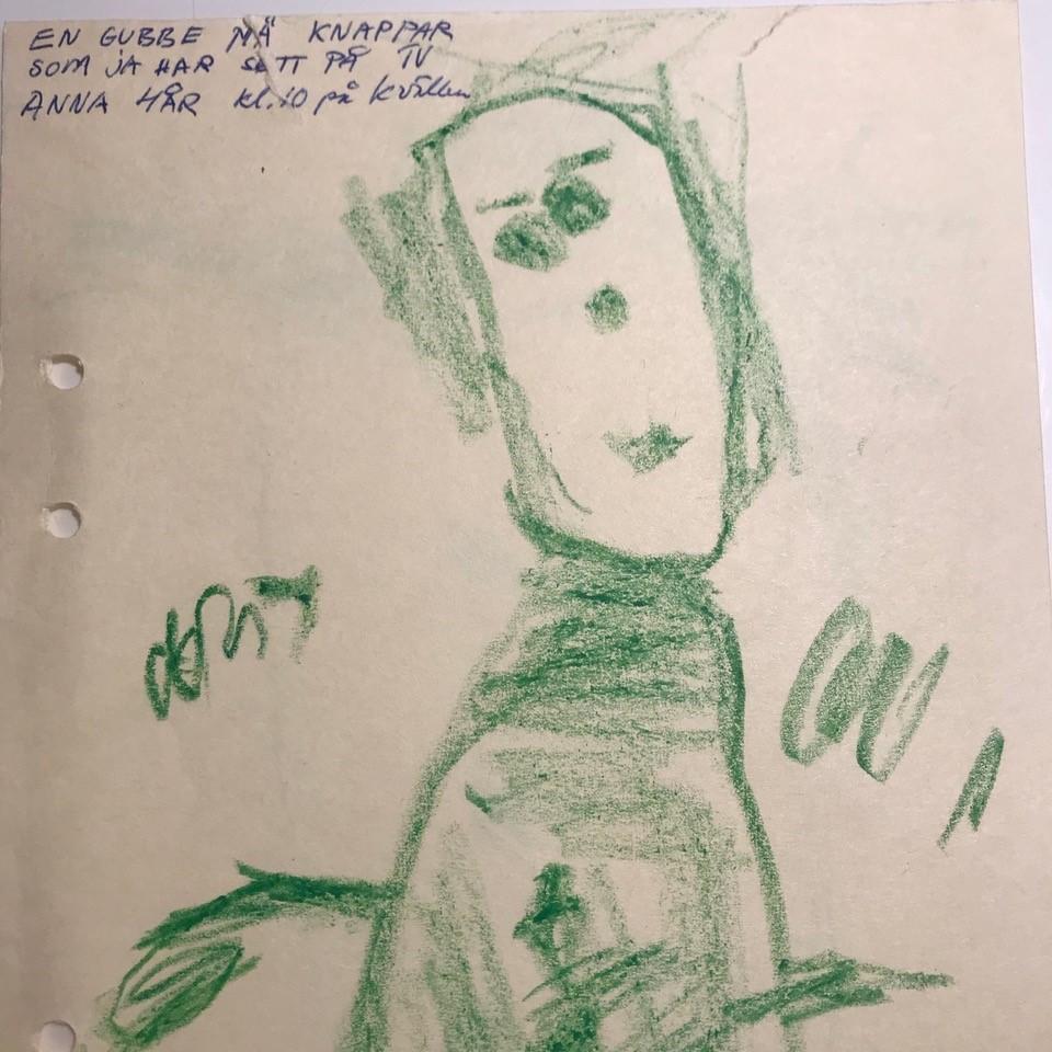 Anna Fiske har tegnet en mann med knapper (barnebilde)