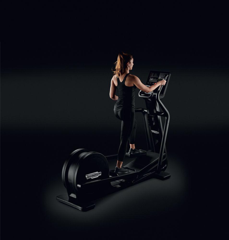 ARTIS® Synchro – Crosstrainer tehokkaaseen pakaratreeniin