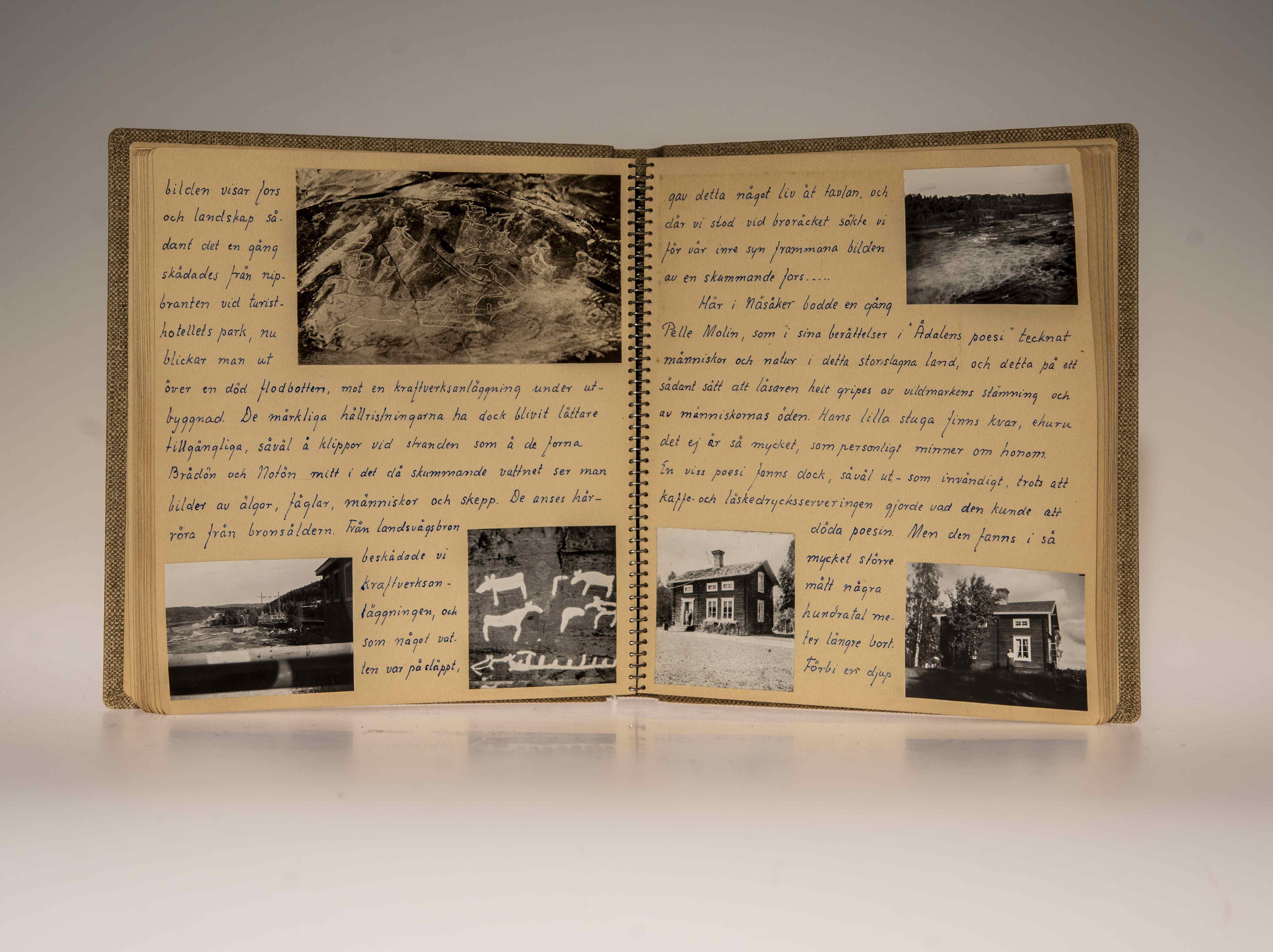 En handskriven resedagbok med inklistrade svartvita fotografier